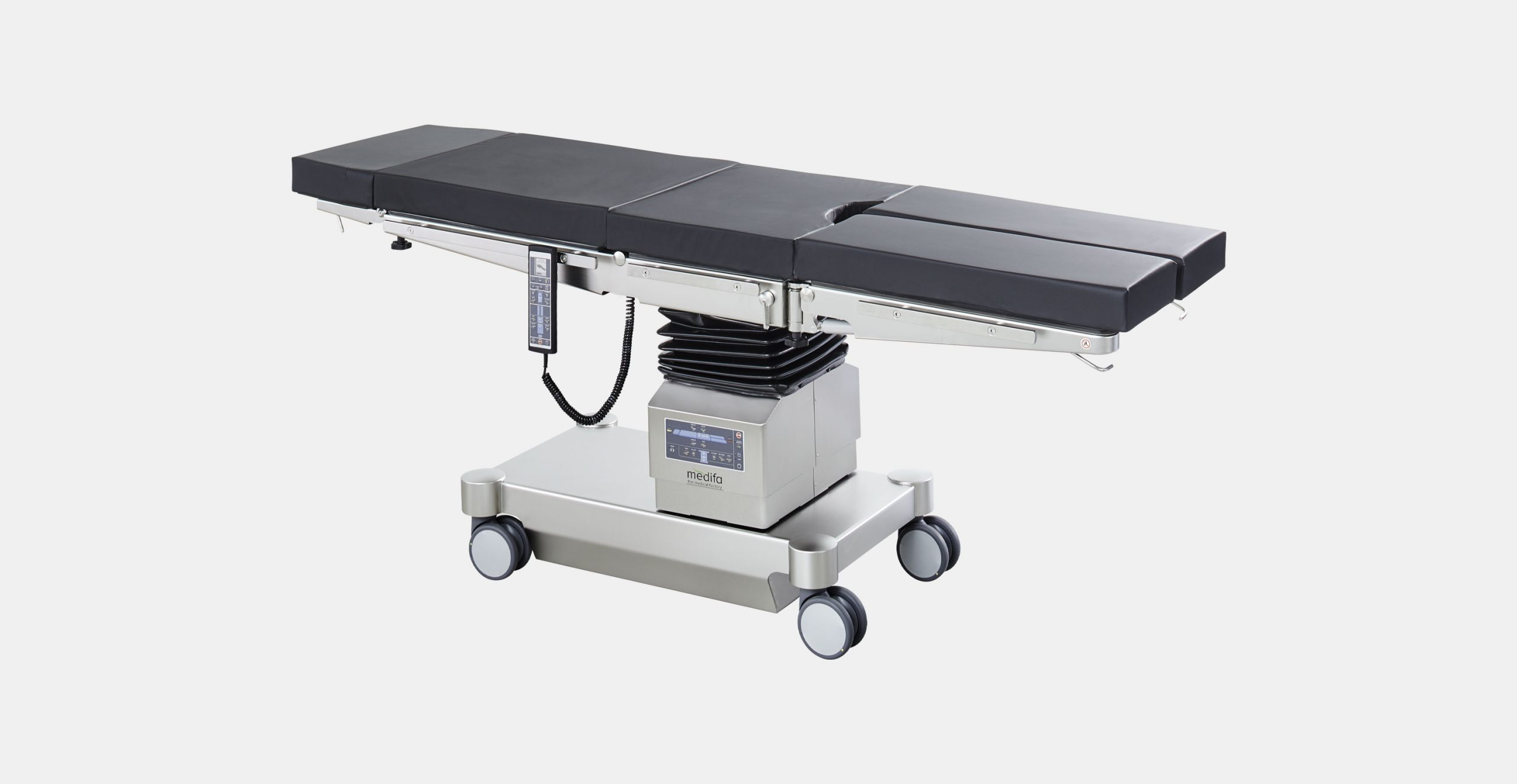 Mobile operating table with one electrohydraulical adjustable joint and longitudinal sliding medifa 6000