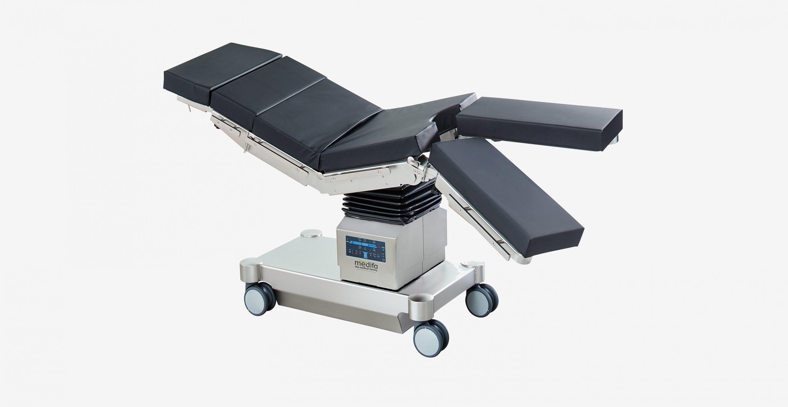 mobiler OP-Tisch mit elektrohydraulischer Beinplattenverstellung medifa 6000