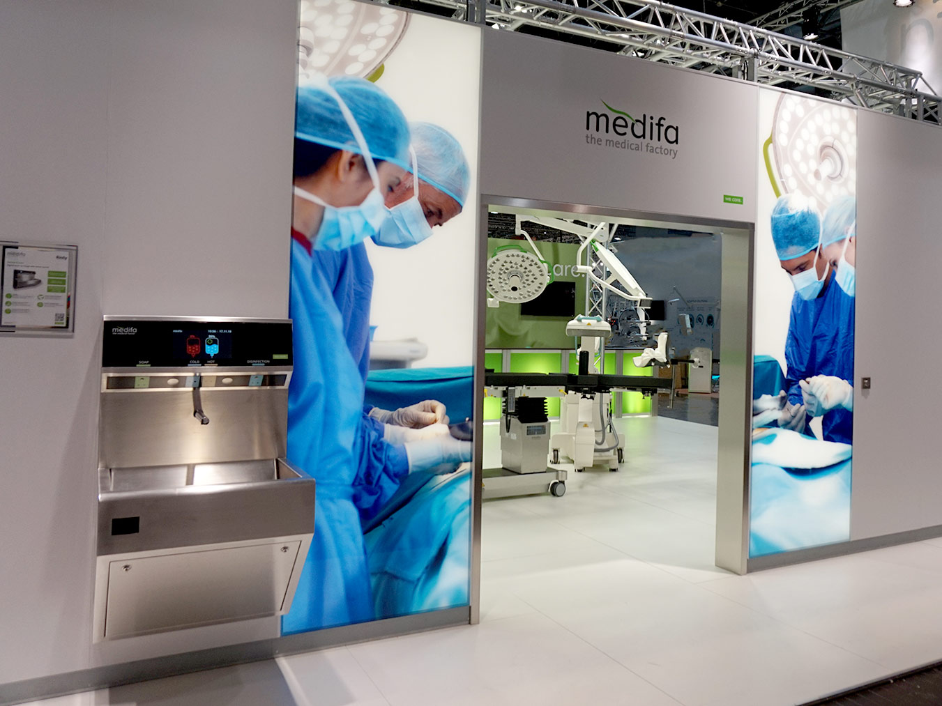 Messestand_Modulares_Raumsystem_OP-Saal_Medica